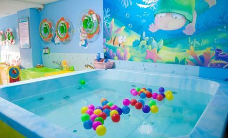 西咸新區嬰兒洗澡游泳-灃西新城寶寶游泳機構