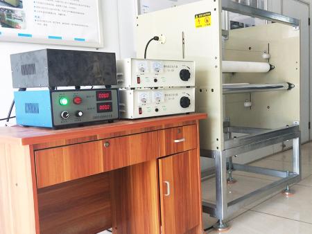 山東熔噴布靜電駐極機廠商|肇慶有信譽度的熔噴布靜電駐極機廠家推薦