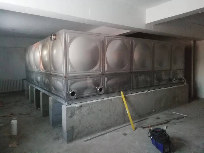 黑龙江水箱 黑龙江水处理设备-当选哈尔滨诚厚环保设备