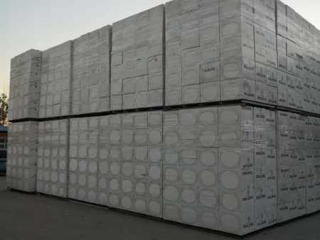 沈阳坤龙保温材料优良的聚合聚苯板新品上市-沈阳天机隔离分子聚苯颗粒苯板哪家好