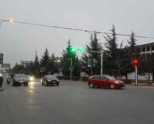 宁夏太阳能信号灯-交通信号灯厂家-高质量厂家批发-银川顺兴达