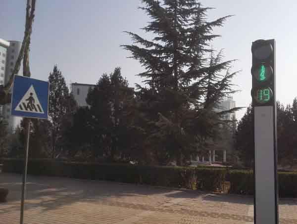 宁夏太顺天盟阳能信号灯厂家-左旗太阳能信号灯哪里有