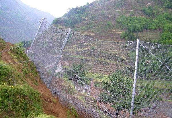 西寧邊坡防護網-要買口碑好的邊坡護欄網就到青海中瑞防護網