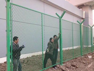 钢板网护栏 无锡鑫福特护栏网有限公司