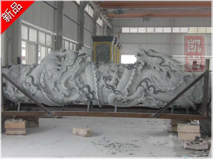 龙柱雕刻寺庙石雕龙柱及石雕龙柱制作手法-凯岩石业