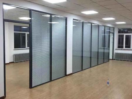 沈阳百叶隔绝距离-单层玻璃隔绝距离就选法严装潢
