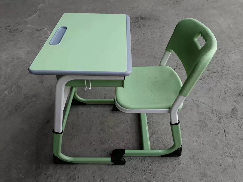 银川课桌椅