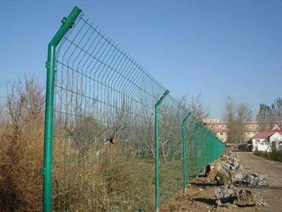云南双边丝护栏网-专业的双边丝护栏网供应商当属鑫福特金属材料有限公司