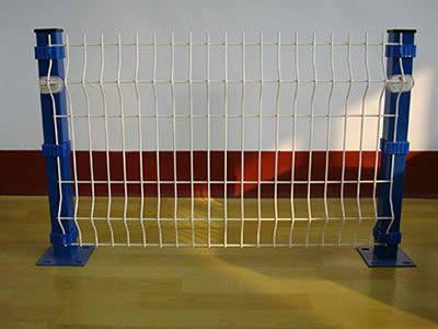 三角折弯型护栏网 格-泰州三角折弯型护栏网