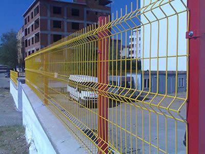 无锡三角折弯型护栏网  鑫福特护栏网