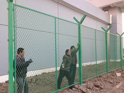 鑫福特护栏网  无锡钢板网护栏