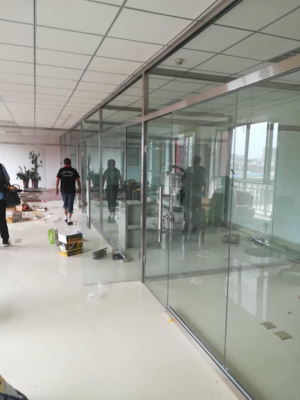 呼和浩特LOW-E玻璃安装-内蒙百叶玻璃隔断品牌
