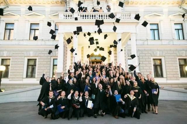 高中毕业如何去俄罗斯留学?正规留学机构推荐