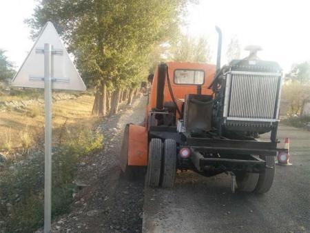 山东路沿石开槽机-兴华公路机械批发路沿石开沟机