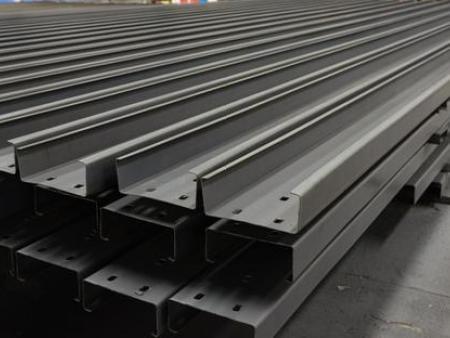 钢结构厂房屋顶彩钢板防腐除锈漆施工要点!