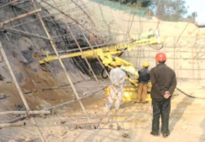 韶关工程钻机-旋挖钻机图片-重庆液压钻机