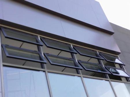 消防天窗多少钱_跃铭门窗划算的消防救援窗供应