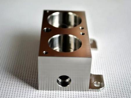 不銹鋼零件加工 數控加工中心廠家當屬西安坎道爾機電