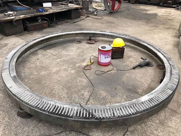 河南球磨机铸铁配件图片-优惠的大型齿轮临沂诚威齿轮供应