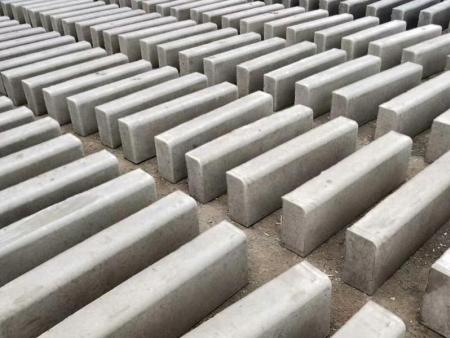 东营水泥砖|路沿石专业报价