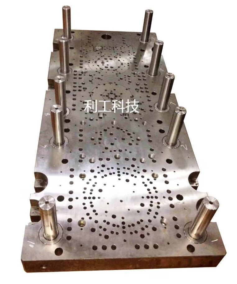 广州模具立式深孔钻直销,深圳高性价钻孔机哪里买