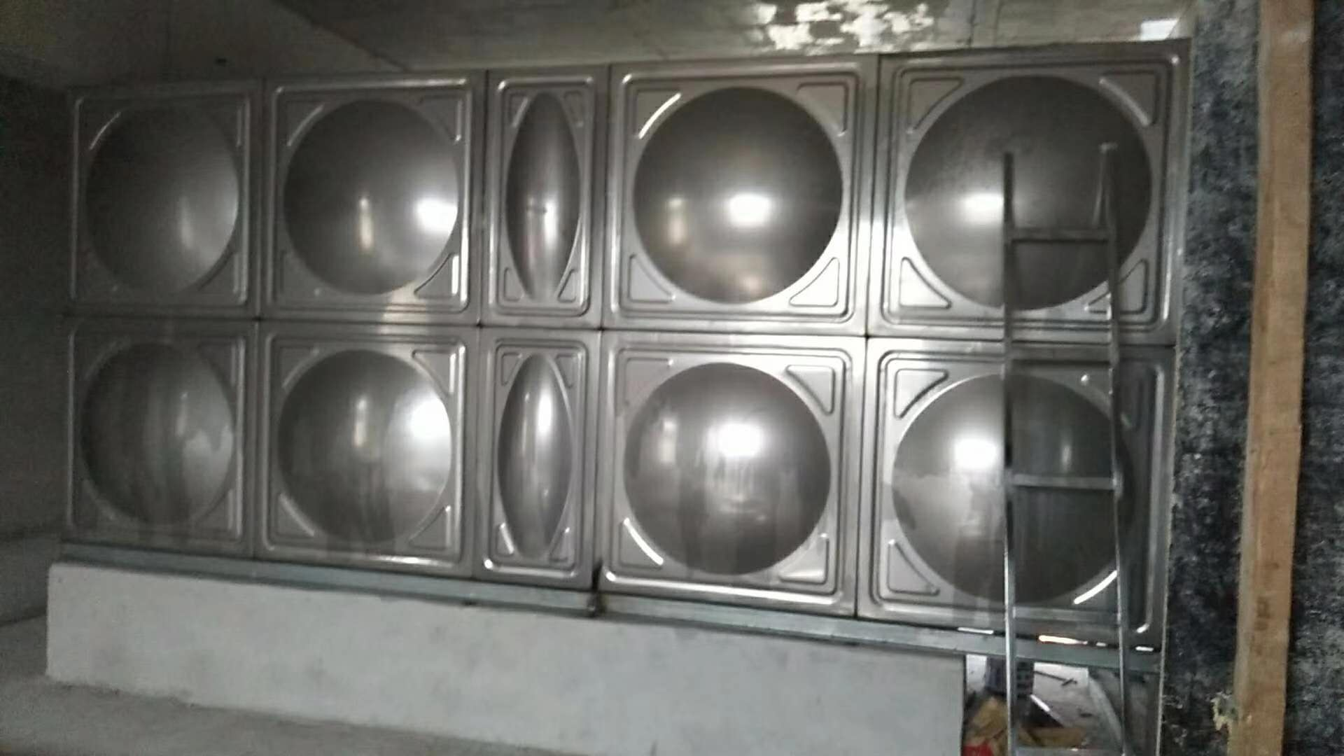黑龍江不銹鋼水箱專業生產-黑龍江多級泵