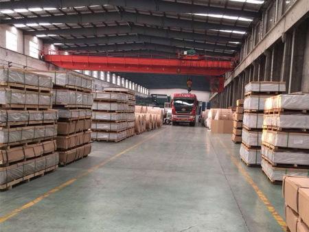 河南铝板-如何买好用的铝板