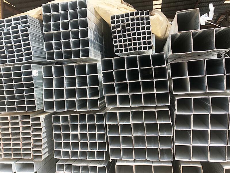 热镀锌矩形管哪里有|供应临沂领端商贸物超所值的方矩管