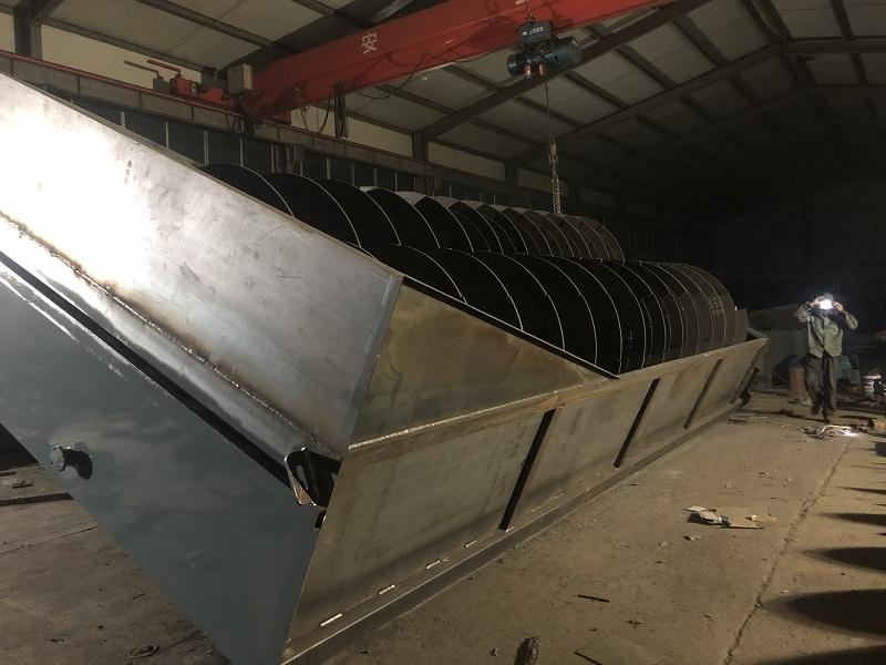 专业供应各种物料输送机 洗石机 洗沙机 螺旋物料输送机
