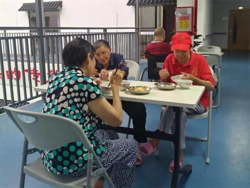 肇庆老人看护中心-端州老人院精神安慰-端州护理中心理疗