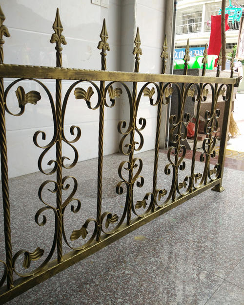 上哪买好质量的哈尔滨铁艺围栏-雕刻厂家