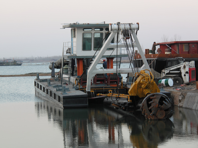 安徽清淤船制造商-想买清淤船上泰通重工