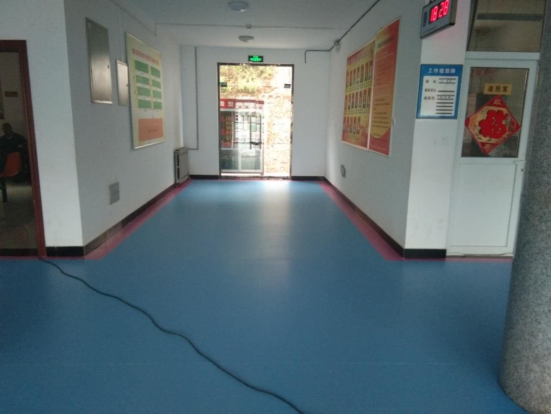 篮球场pvc运动地板_找优良体育运动地板上速腾建材