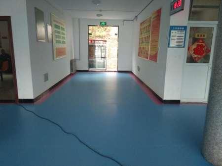 郑州运动塑胶地板价格速腾建材河南PVC塑胶地板批发欢迎选购