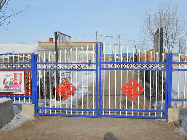 哈爾濱鋅鋼圍欄廠家_綏化哈爾濱鐵藝大門知名廠商