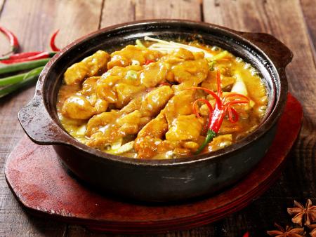 專業的小雞小魚石鍋煲加盟喜食樂餐飲-錦州小雞小魚石鍋煲