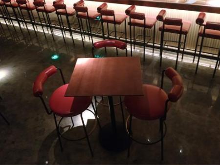 酒吧專用桌椅-清吧休閑酒吧桌-復古酒吧桌椅定制