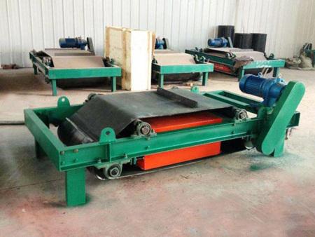 懸掛式永磁除鐵器批發-陜西輕型永磁帶氏除鐵器