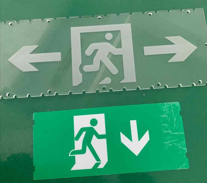 照明公共場所安全出口亞克力指示牌,廣告發光板廠商