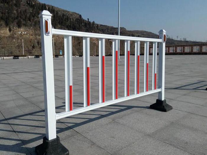 防撞护栏公司-重庆高速路防护栏-北京城市道路护栏