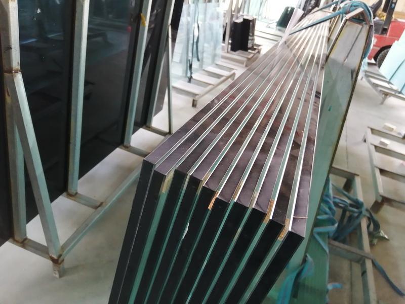 海南重型门-想要购买耐用的钢化玻璃找哪家