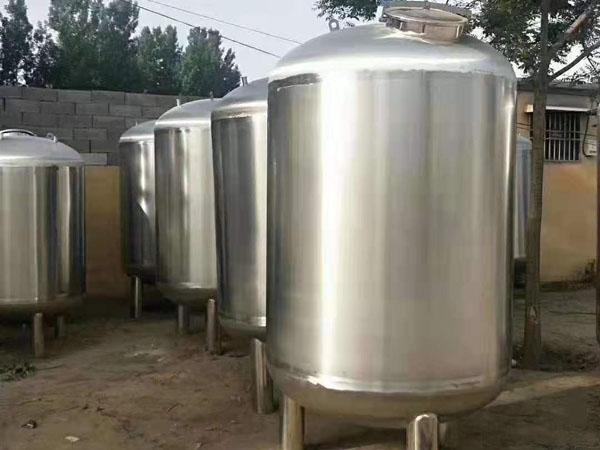 不銹鋼儲存罐生產廠家-不銹鋼儲存罐廠家