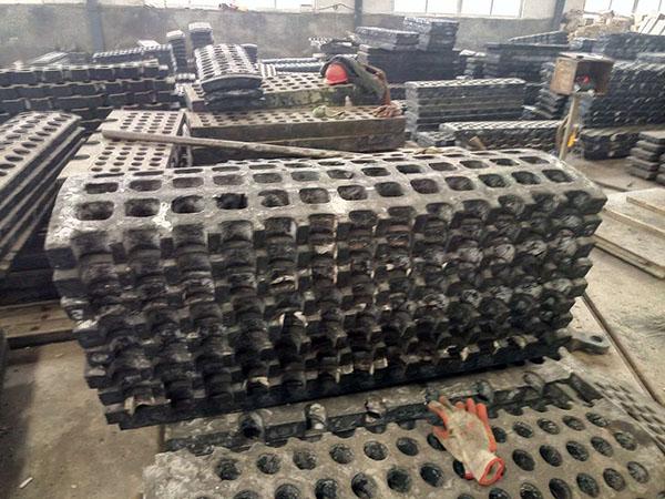 山东销量好的筛板供应-德州方锤厂家