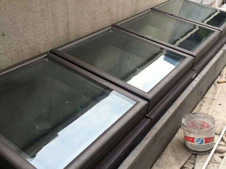 欧式∴天窗厂家-地下室采光天窗按装-地下室采光天窗批发厂家