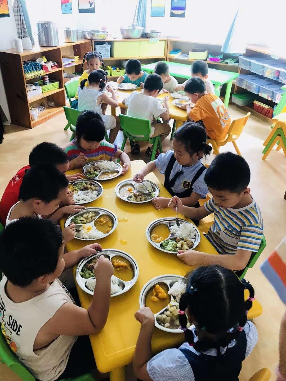 幼儿园重阳节活动|有保障的学前教育当选新泰幼儿园