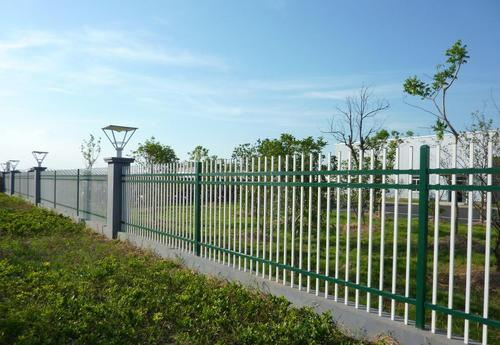 【固邦建材】烟台锌钢护栏_烟台公路护栏_强度高、韧性强
