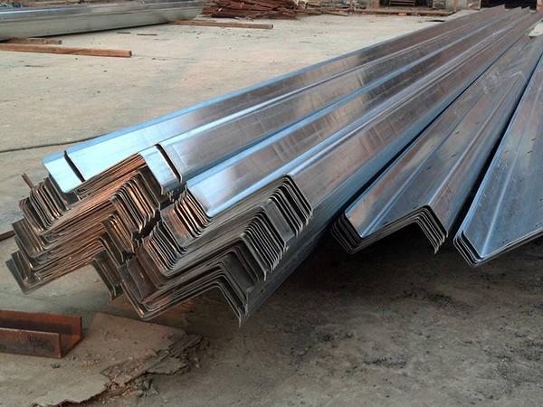 青海钢结构简易房施工-兰州岩棉彩钢板哪家好