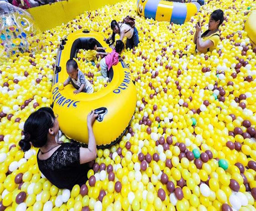 厂家供应百万海洋球池,室内儿童游乐贝博提现厂家直销