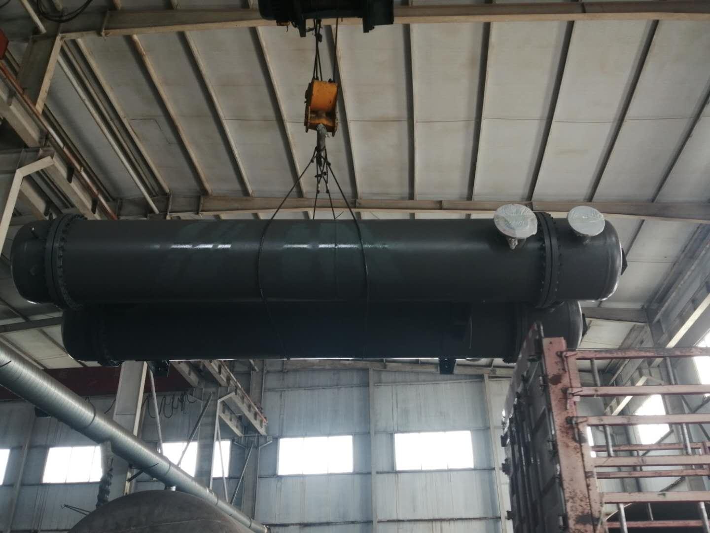 碳四塔底冷却器