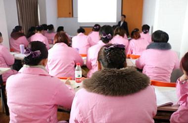 椰城寶媽提供專業的海南月嫂培訓